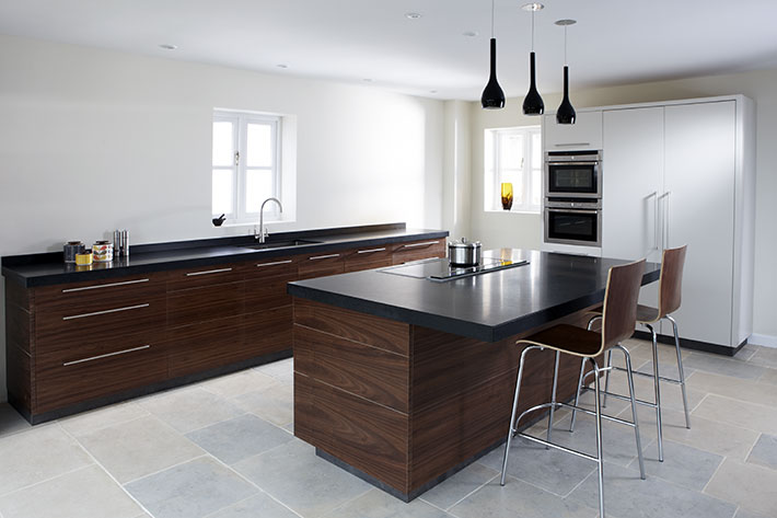 Contemporary walnut kitchen eternal kitchens for Contemporary kitchens uk